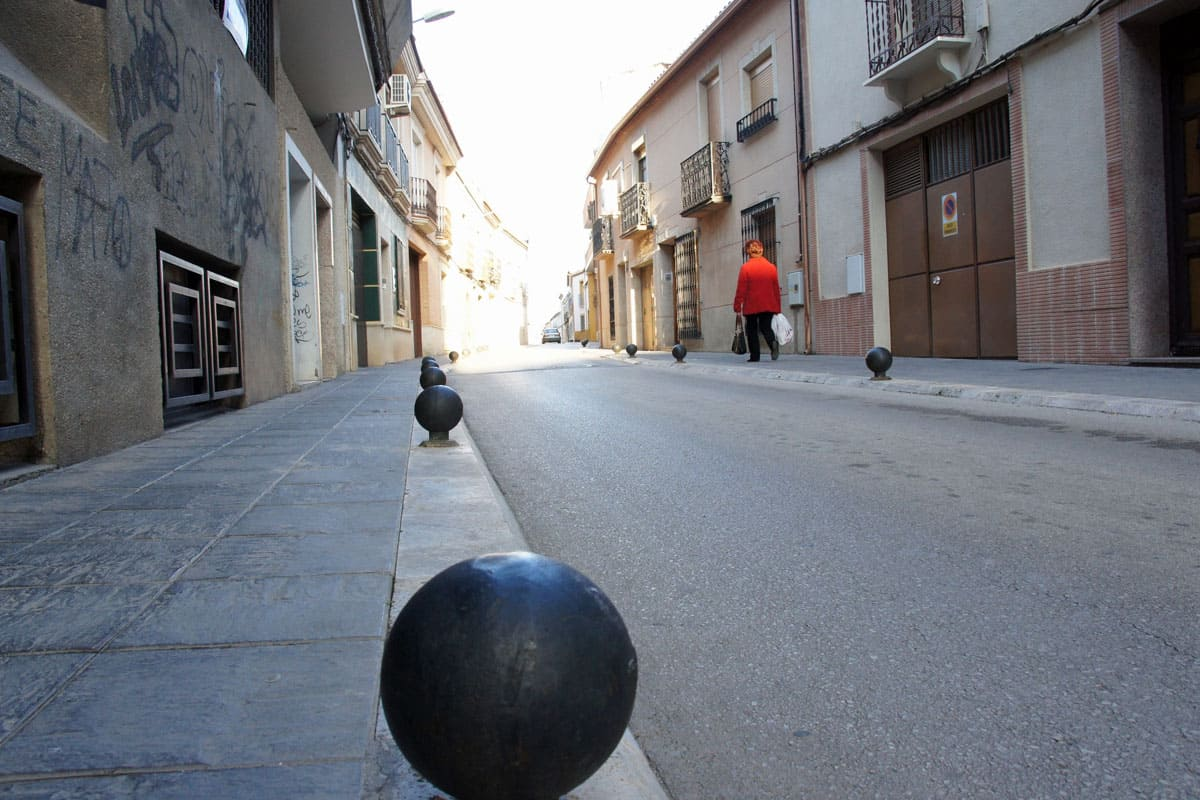 Quiet central street in Valdepenas