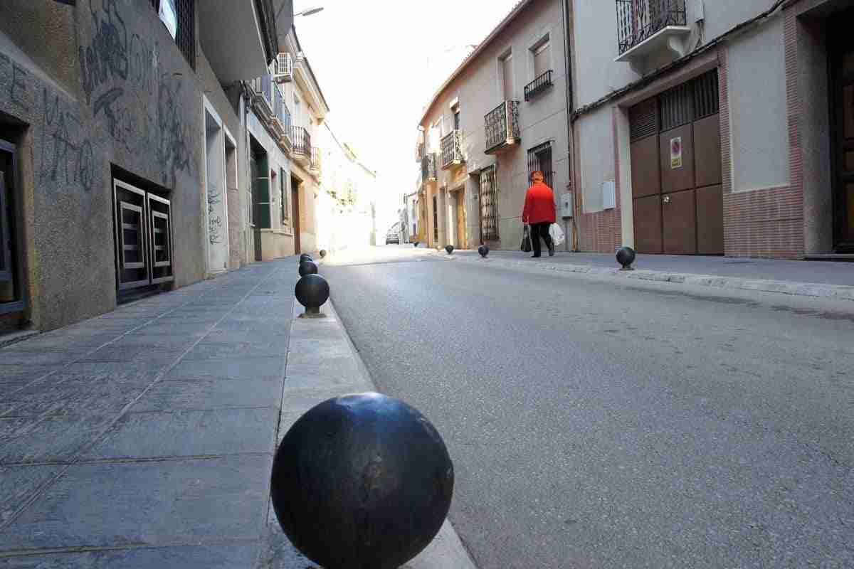 Quiet central street in Valdepenas